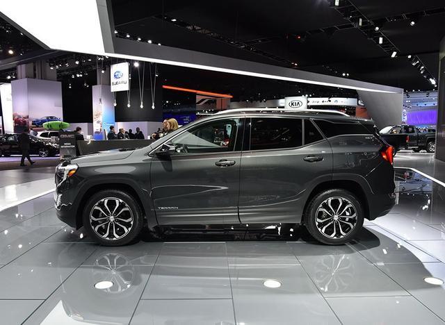 一款全新的中大型SUV,2.0T配9AT,有七座,还买途昂?