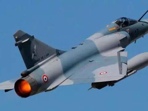欧洲台风和阵风战斗机,和中国歼10歼11相比如何?优势不小