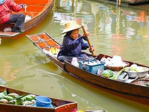 旅行:曼谷最佳帆船和水上游览,湄南河上的曼谷晚餐游船