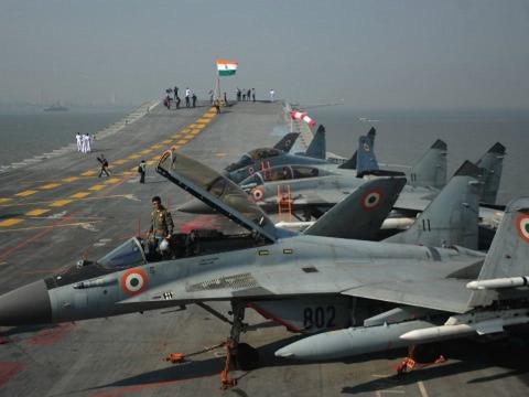 印国产航母又有新动向,称3年后将服役!海军将领:使用光辉战机