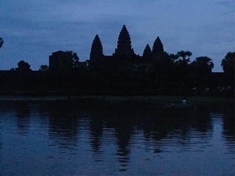 私藏在柬埔寨失落的神迹之国,世界上最大的庙宇,人生必游之地