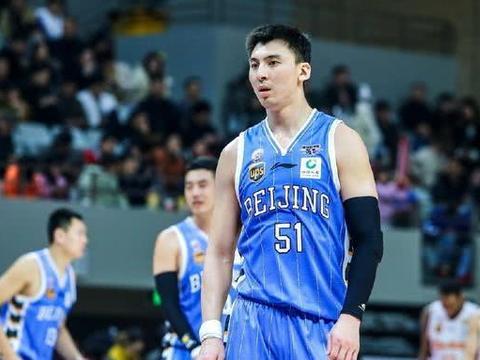 球迷悼念前北京队长吉喆:记得你为首钢的贡献 愿天堂也有篮球