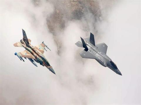 斩首行动成功,以色列遭到数百枚火箭弹报复,半个国土陷入瘫痪中