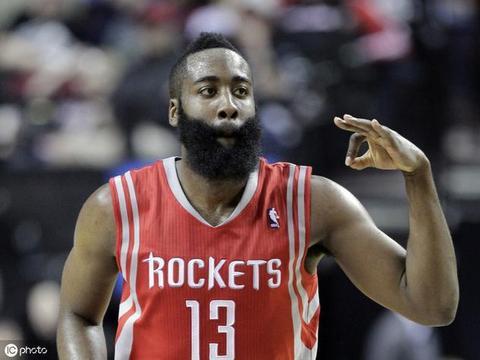 """哈登""""轻松""""打破考辛斯的纪录,成73年NBA历史第一人"""