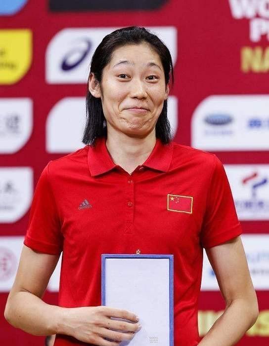 女排世俱杯诺瓦拉3 - 2战胜瓦基弗银行,利好天津女排