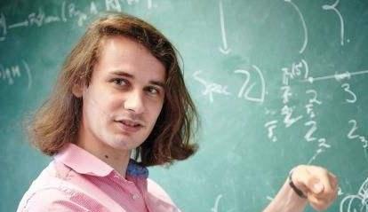 """世界数奥满分天才:一凭硕论获博士,拿数学""""诺奖"""",一出家还俗"""