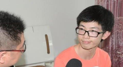 他是浙江高考状元,连幼儿园都没有上过,高考却考出了760分