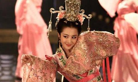南燕公主,出嫁3日便在厕所自缢身亡,裙子里发现一行字