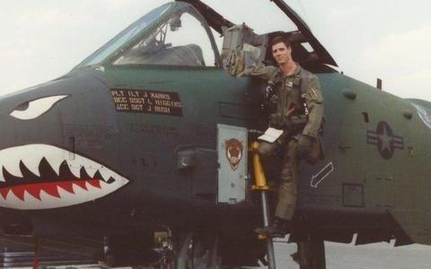 女飞行员硬抗一枚地对空导弹——A-10攻击机的伊拉克血战
