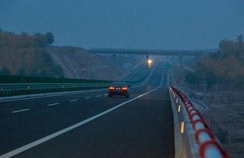 高速中的区间测速原理如此简单,很多车主却因为不懂被扣分?