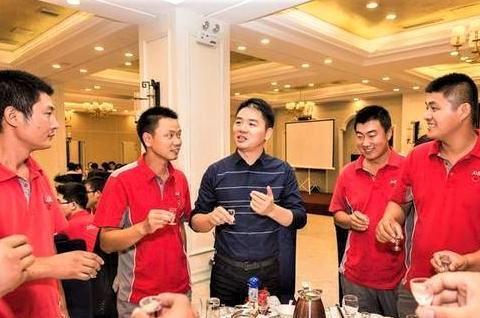 曾经京东的001号员工,刘强东承诺干5年就买房