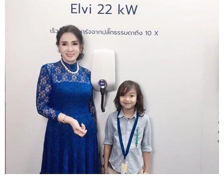 泰国72岁前环球小姐 保养超好!惊艳近照曝光