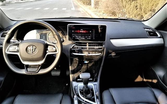 中华E5纯电动紧凑级轿车谍照曝光,综合续航达480公里