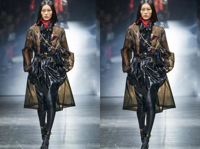 老板朴振英穿透明雨衣,王嘉尔超惊讶!透明雨衣是什么宝藏单品?