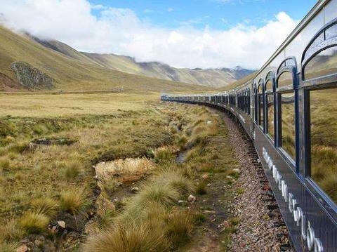 世界上海拔最高的火车站,海拔5000多米,既没有人值守也禁止下车