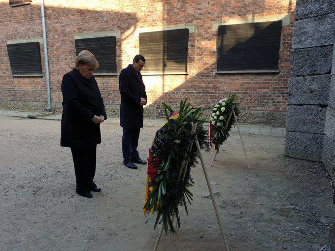 首访奥斯维辛集中营 默克尔:我深感羞愧