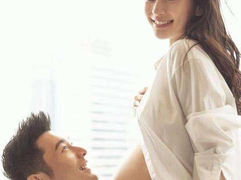 baby再次挺孕肚升级妈妈,黄晓明亲自现身陪产检,发文感谢妻子