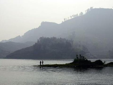四川达州大竹县一个镇,是省级小城镇试点镇,有同心桥水库