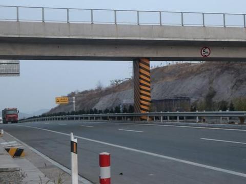 """莱阳这个村的名字很有特点,叫做""""落脚石"""",属河洛镇"""