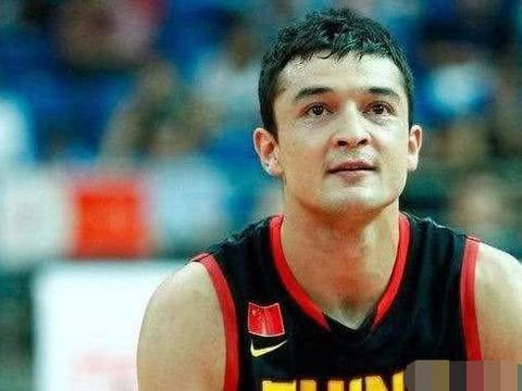 西热力江本赛季发挥如此出色,他在新疆队能拿到多少薪水?