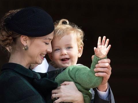摩纳哥王室全家颜值都很高 小王子Stefano不输乔治