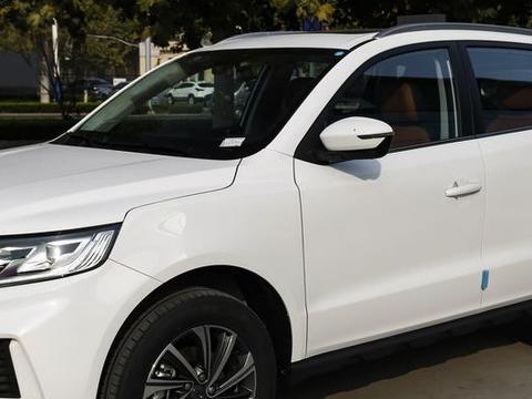 又一高颜值国产SUV,车宽1米8,带自动刹车系统,顶配才卖9.99万