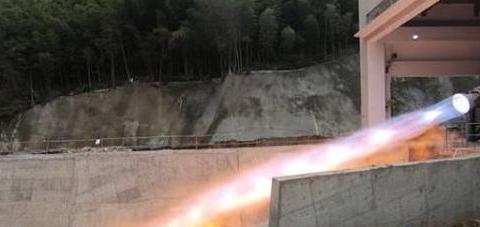 国内推力最大液氧甲烷发动机完成变推力长程试车