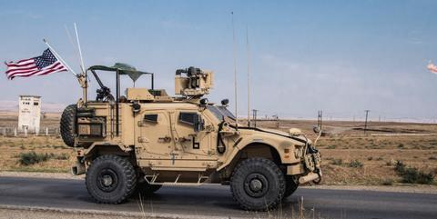 美军夺取90%油田,叙俄联军趁虚而入:一口气占领16座美军基地
