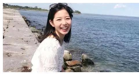 叛逆天才少女,17岁弃清华北大,22岁抱娃哈佛大学毕业