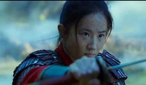 《花木兰》刘亦菲对镜贴花黄,巩俐造型雷人