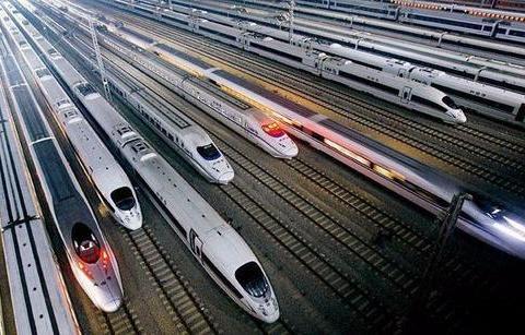 为什么中国高铁年年亏损却还在修建?美国有钱有技术却不建高铁