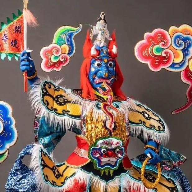 中国人烧给死人的纸扎,登上巴黎设计周,还被法国博物馆收藏?!