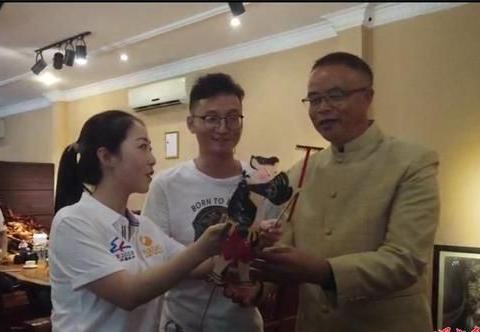 华州皮影亮相老挝万象现代艺术博物馆