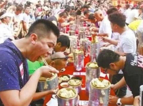 中国人吃猪肉、牛肉、狗肉,为何少有吃鹿肉?真实的原因扎心了