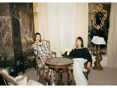 刘雯一身黑白格子裙出镜,法式风情浪漫复古,气质秒杀身旁宋茜