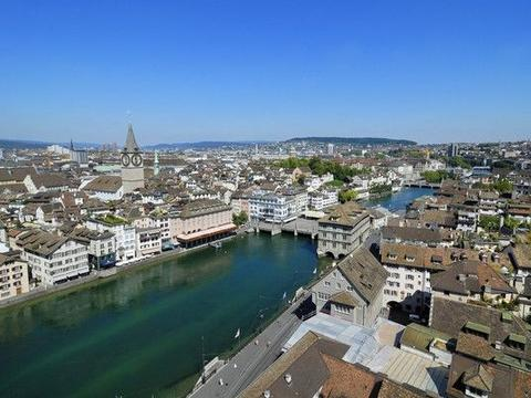世界唯一的从不下雨的城市,当地人盖房都没屋顶,仅靠一条河生活