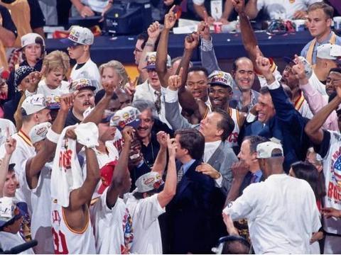 一人击垮三巨头!盘点NBA历史含金量最高5次总冠军!都是回忆!