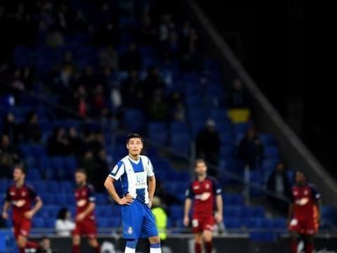 恒大留洋小将在西班牙被抢,感叹破财消灾,球迷:进球运要来了