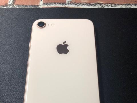 网友花3000元买iPhone8,结果被商家忽悠了