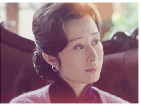 """她被称为""""小巩俐"""",嫁入豪门被抛弃,复出后搭档胡歌再次翻红"""