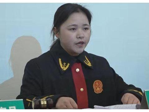 重庆信息技术职业学院:模拟法庭走进校园 加强法制宣传教育