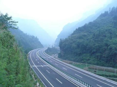 春节回家走高速还是国道划算,不赶时间想省过路费走国道可以吗
