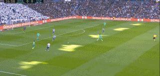 武磊首发本泽马造2球 皇马4连胜暂超巴萨 西班牙人6轮仅拿1分