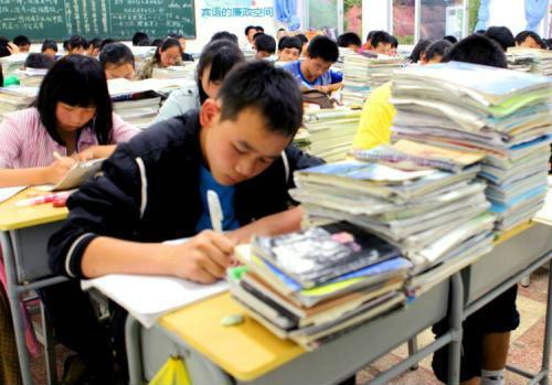 顶级高中和普通高中相比,哪里升学压力更大,大部分人都搞错了