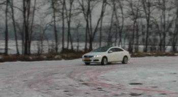 30万级运动型轿车的宝座:宝马3系&奥迪A4L,谁能坐得稳?