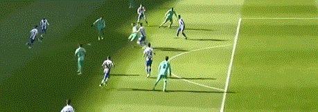 创造中国足球历史!武磊在伯纳乌出场65分钟,西班牙人0-2完败!