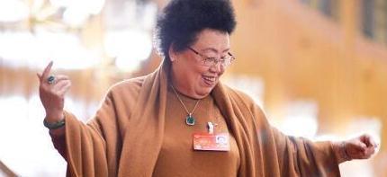 中国最富有的女人:每天入账4亿元,她的财富比肩马云许家印