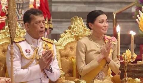 掩耳盗铃?67岁泰国国王不惜将白发染黑