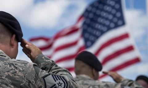 想知道美军强权何时衰落?一看经济形势 二看全球利益
