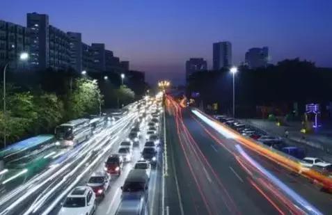 美国人评价日本街道整洁,印度脏乱差,而中国4个字足以概括